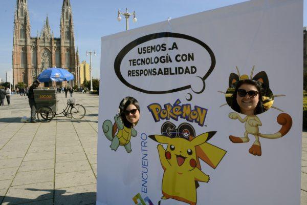 La Plata: Se lleva a cabo el encuentro sobre el uso apropiado de tecnologías, en Plaza Moreno, aprovechando el furor que produjo la aplicación Pokémon Go. Foto: Carlos Cermele/Tèlam/aa 12/08/2016